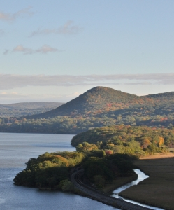 Sugarloaf 4 Hill_Hudson_Highlands_from_Bear_Mountain_Bridge3
